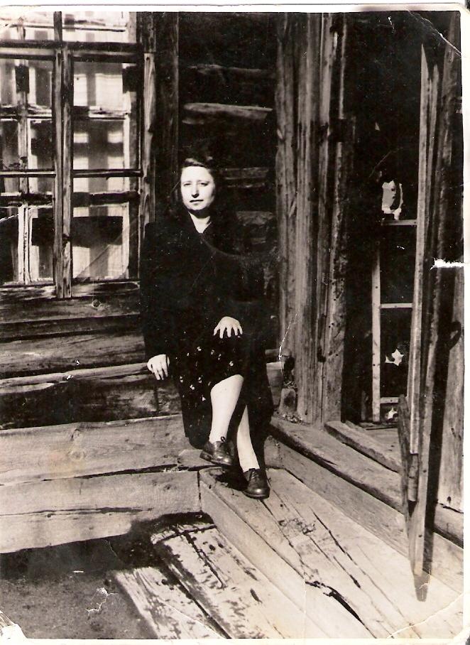 Колосова Сима Даниловна - первый библиотекарь